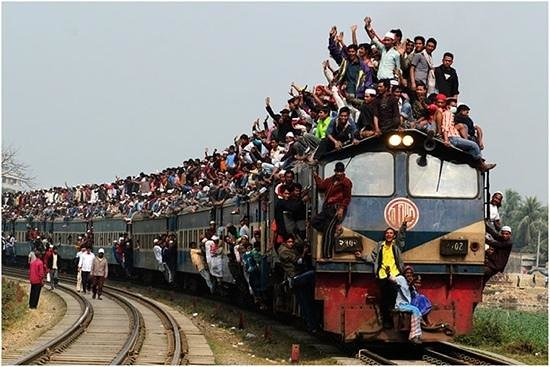 a-train-in-bangladesh