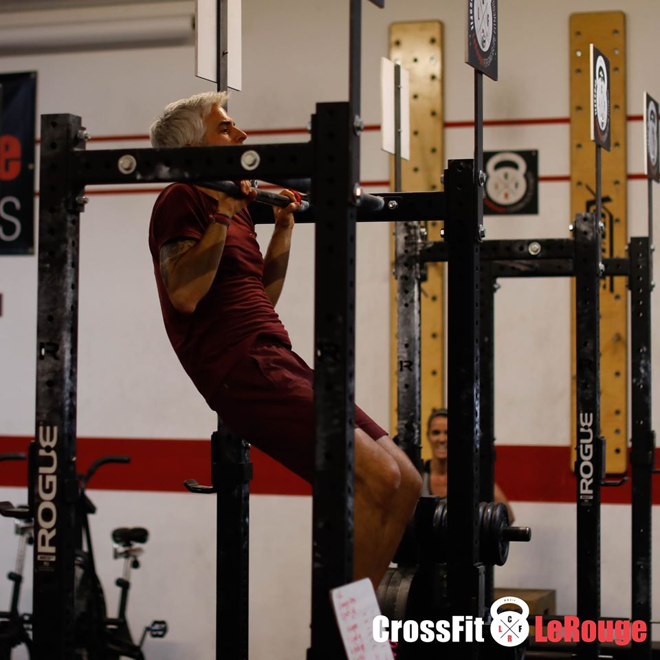CrossFit Le Rouge Lifting pull-ups chin-ups