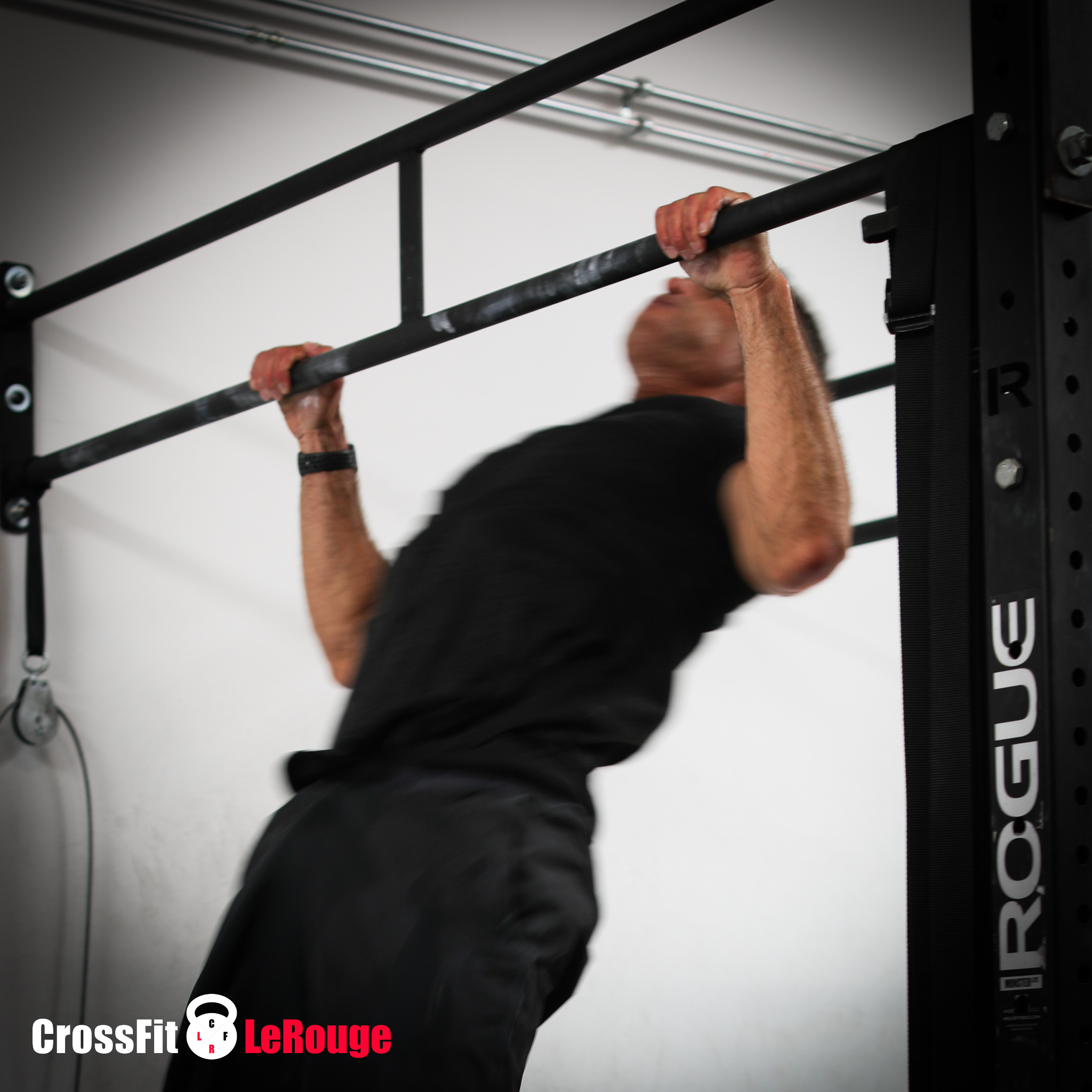 CrossFit WOD Fran thruster pull-ups