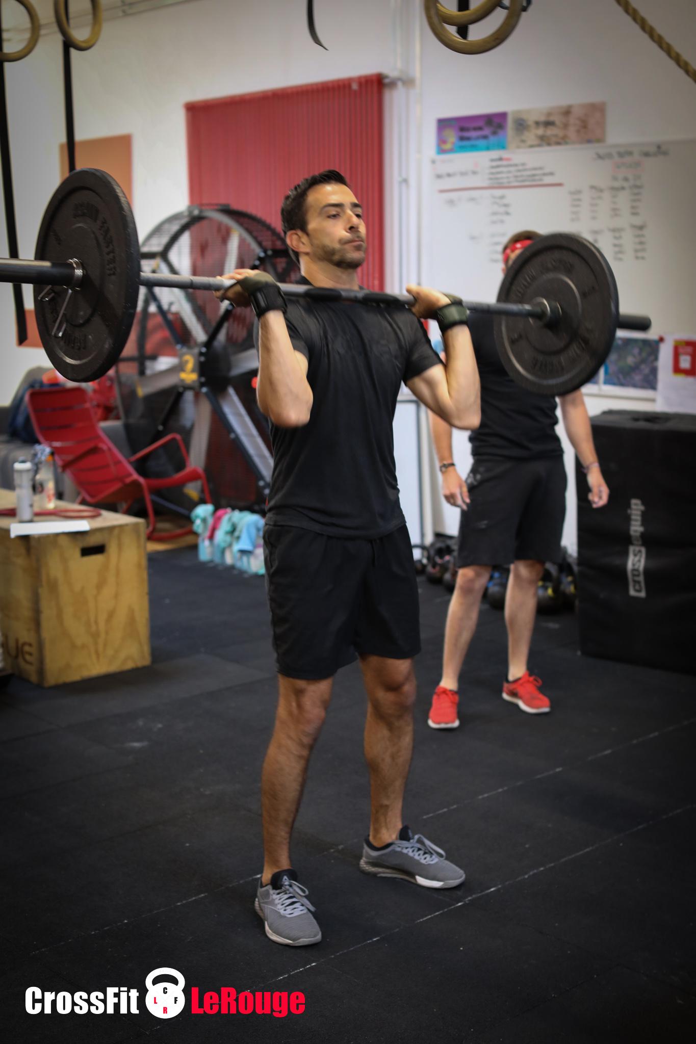 CrossFit WOD push-press + shoulders